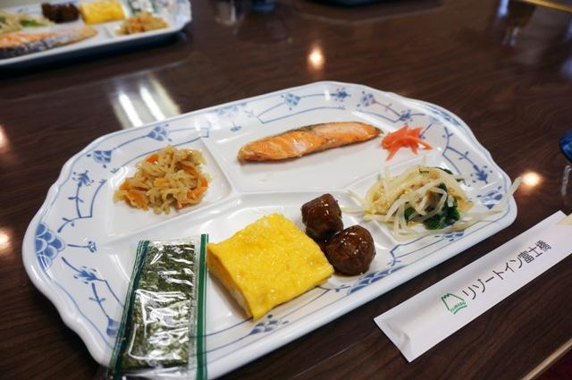 breakfast di tour ke jepang penginapan gunung fuji