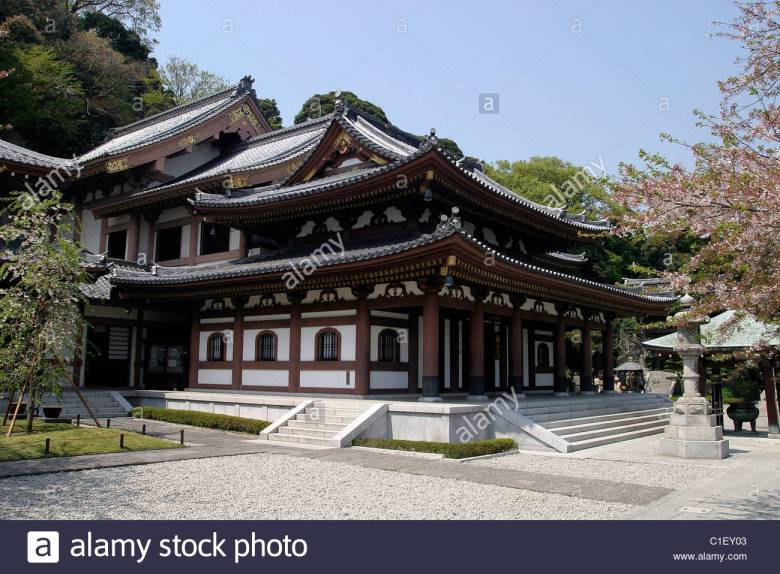 japan-honsh-island-kamakura-in-the-south-of-tokyo-the-temple-shinto-c1ey03